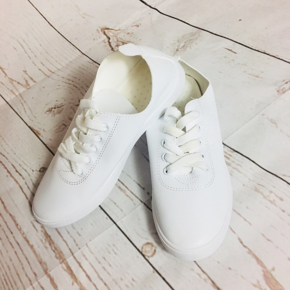 White Lightweight Thin Sneakers Various